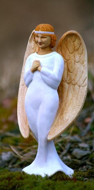 anděl ze dřeva, soška anděla, socha anděla, dřevěný anděl