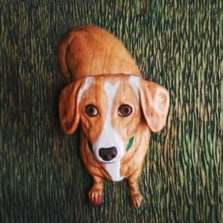 pes ze dřeva