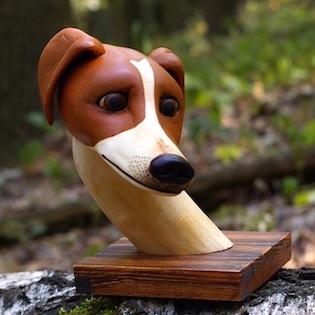 pes ze dřeva, jack russel