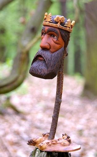 král ze dřeva, z větve
