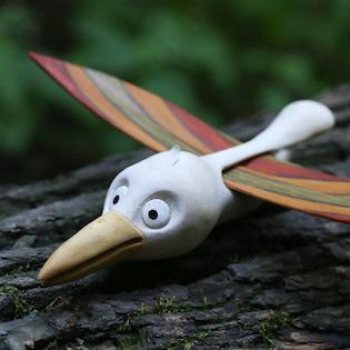 ptáček ze dřeva