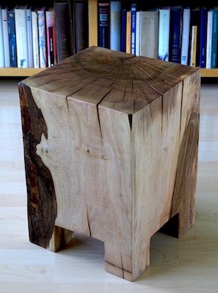 stolička z masivu, ořechové dřevo